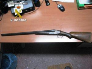 Almonte, escopeta empleada en el atraco.