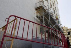 Reparación de la fachada del Palacio de Justicia. (Julián Pérez)