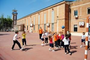 Juegos en el Colegio de las Teresianas.
