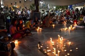 Vigilia del Movimiento 15-M en la plaza de la Constitución de Huelva.