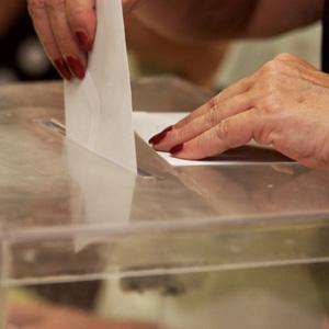 Urna de votaciones.