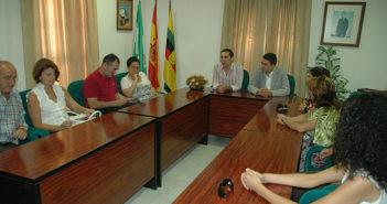 El alcalde de Jubugo y miembros de la cúpula del PSOE.