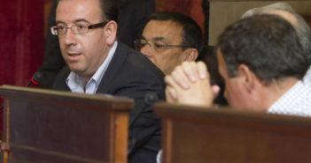 Manuel Guerra, hoy, en el pleno de la Diputación. (Julián Pérez)