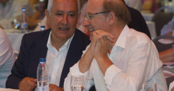 Arenas y Pedro Rodríguez en la Escuela de Verano del PP. (Foto: Julián Pérez)