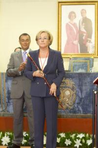 La presidenta con la vara de mando. (Foto: Julián Pérez)
