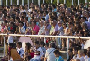 Mil personas han asistido al partido Recreativo-Sevilla B disputado en Punta Umbría. (Julián Pérez)