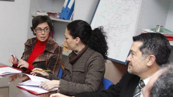 La socialista Susana Rivas (izquierda) en una reunión del grupo parlamentario.