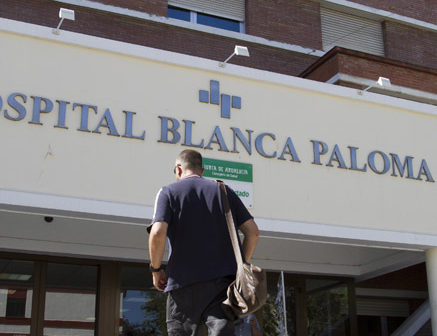 Clínica Blanca Paloma, situada en la barriada de La Orden. (Julián Pérez)