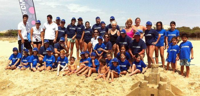 Participantes en el Concurso de Castillos de Arena de la playa Caminito de Santana de Isla Cristina