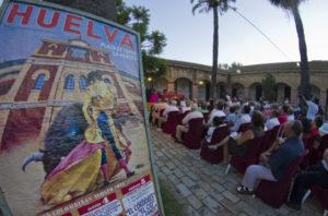 Aspecto del patio de la Escuela de Arte León Ortega durante el pregón taurino. (Julián Pérez).