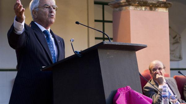 Baena Bocanegra, durante un momento del pregón taurino. (Julián Pérez).