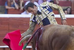 El Cid realizó una buena faena que fue merecedora de una oreja. (Julián Pérez)