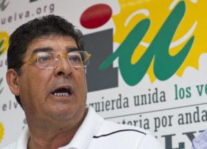Valderas ha comparecido ante los medios junto a Pedro Jiménez. (Julián Pérez)