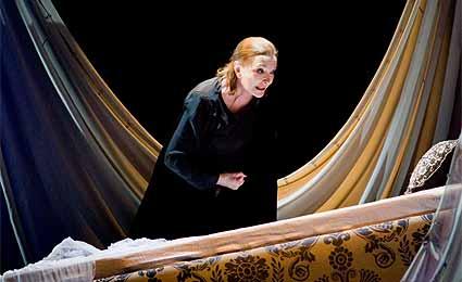 Nuria Espert en 'La violación de Lucrecia'.
