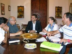 Reunión entre el Ayuntamiento de Moguer y el Obispado.