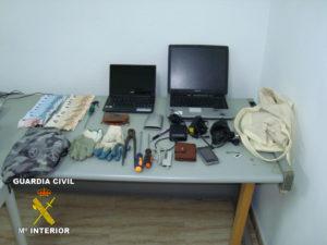 Objetos intervenidos a los detenidos.