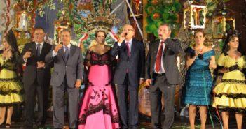 Los protagonistas de la fiesta. De izquierda a derecha, Juan Carlos Lagares, Juan Ignacio Zoido, Teresa Pinto Alanís, Pedro Rodríguez, Miguel Durán y Mónica Dorado. (José Carlos Sánchez)