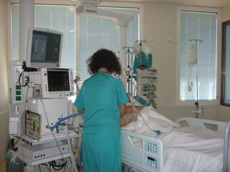 Resultado de imagen de uci de hospital