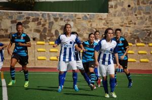 Jenny Benítez, jugadora del Cajasol Sporting, ante el Espanyol.