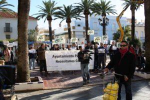 Protesta de los trabajadores municipales en Ayamonte.