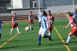 La delantera del Sporting Anita.
