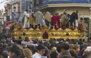 La Sagrada Cena en las calles de Huelva. (Julián Pérez)