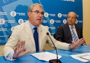 Francisco Moro y Pedro Rodríguez en una rueda de prensa. (Julián Pérez)