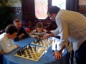 Simultánea de ajedrez en Almonte.