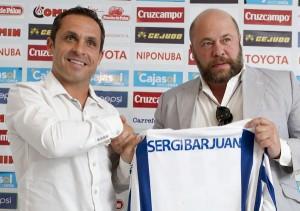 Sergi Barjuan, nuevo técnico del Recreativo junto al presidente Pablo Comas. (J. Pérez)