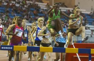 La prueba de 3.000 obstáculos tuvo una nutrida presencia de atletas. (Julián Pérez)