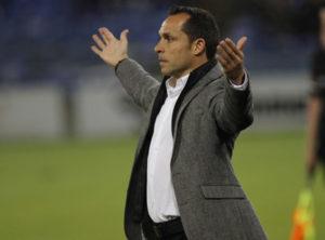 Sergi Barjuan, técnico del Recreativo de Huelva, durante un partido. (J. Pérez)