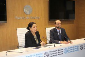 Manuela de Paz y Pedro García en una rueda de prensa.