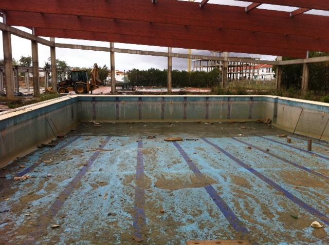 Pol mica en gibrale n por las instalaciones deportivas for Piscina municipal san roque