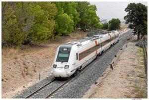 Tren Alvia que une Huelva con Madrid.