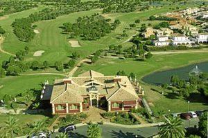 Imagen aérea de las instalaciones del campo de golf Dunas de Doñana.