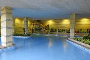 Piscina interior del Hotel Playa Cartaya.