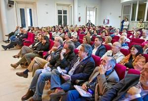 La presentación de la novela de Bernardo Romero ha resultado multitudinaria. (Julián Pérez)