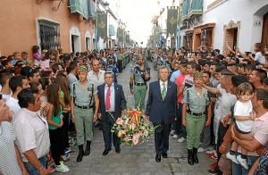 Desfile de la Banda de la Legión en las Fiestas de la Calle Cabo. (Julián Blanco)