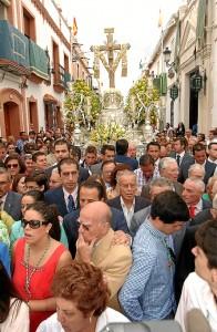 El Santo Madero a su paso por la Calle Cabo. (Julián Blanco)