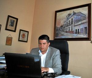 Marcos Toti es alcalde de Zalamea por Izquierda Unida.
