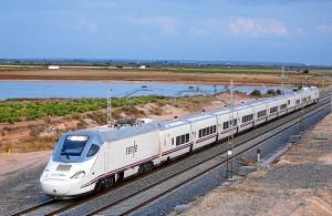 Uno de los trenes Alvia que hacen la línea Huelva-Madrid.