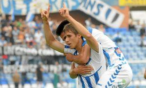 Alexander celebra el gol de la victoria. (Espínola)
