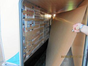 Tabaco de contrabando en el interior de una de las autocaravanas.