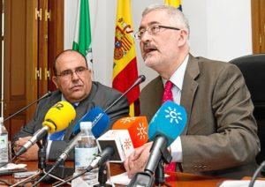 El consejero Ávila en rueda de prensa este jueves. (Julián Pérez)