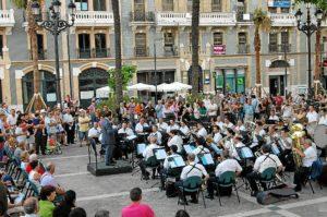 Concierto en la plaza de las Monjas de Huelva.
