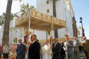 Salida del Corpus Christi en La Palma del Condado. (Celia HK)