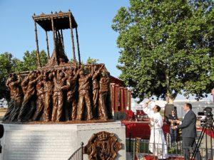 Bendición del monumento.