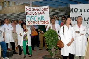 Protesta de personal sanitario de la zona Norte de Huelva. (José Carlos Sánchez-Multimagenestudio)