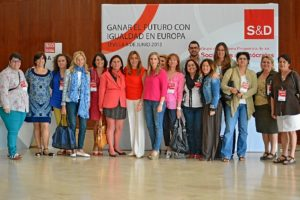 Foto de familia de los miembros del PSOE de Huelva que han participado en la jornada en Sevilla.