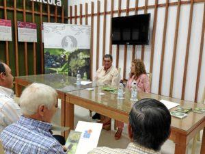 Cinta Castillo, durante la presentación del manual.